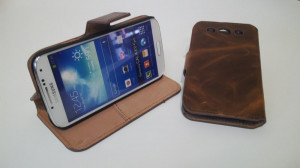 Pouzdro Old Brown Book Case Samsung I9190/i9195 Galaxy S4 mini Hnědé